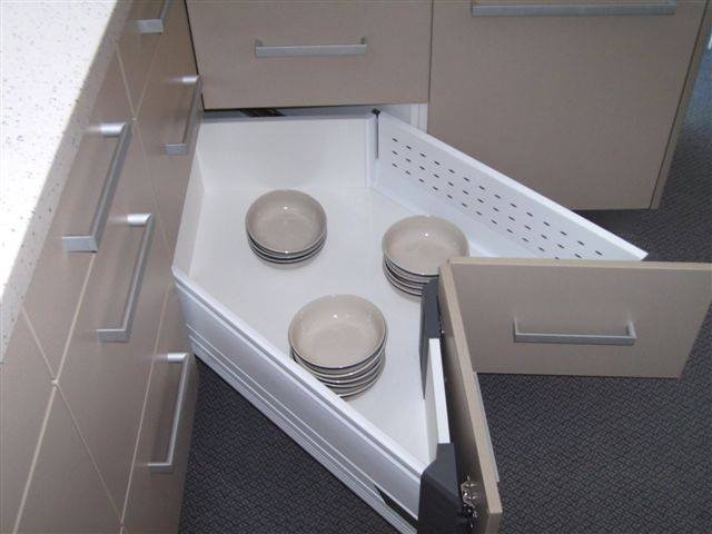 bottom-corner-drawer-with-bowls-640x480